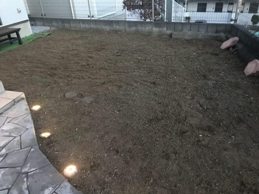 横浜市戸塚区 1日中お庭の草を取り続けました